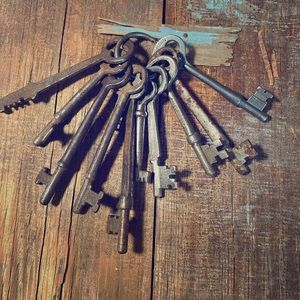 Vintage Skeleton Keys